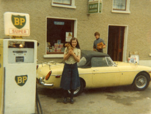 martina with Tom's Car and  Fifi