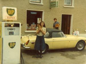 martina with Tom's Car and  Fifi